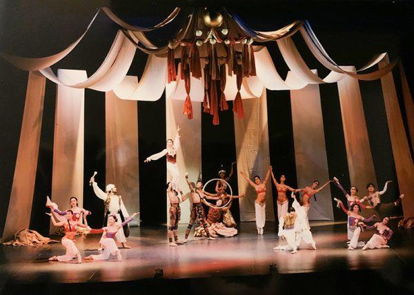 バレエ団 ピッコロ60年の歩み